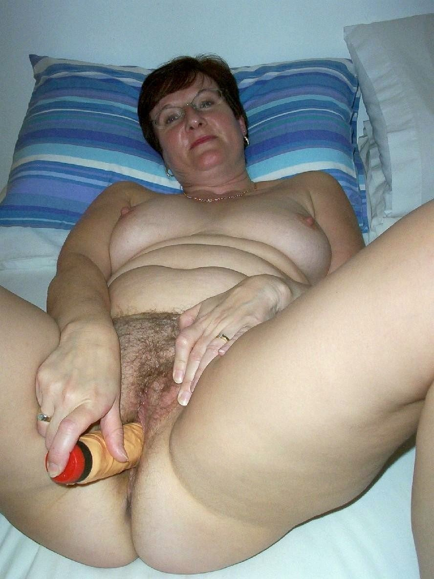 Xhamster homemade mature wife hairy masturbation