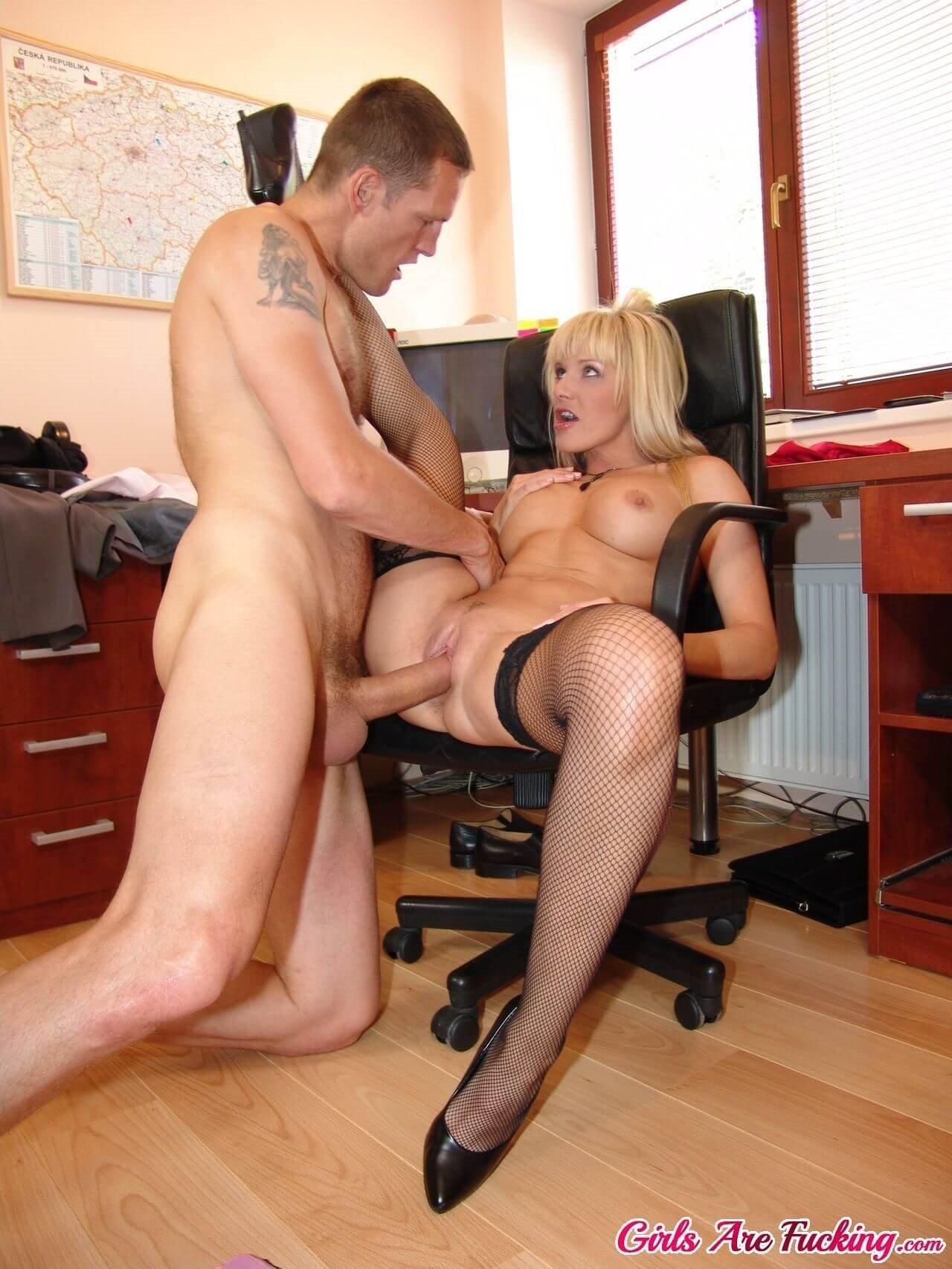 working-mature-sex