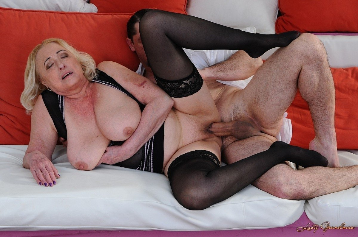 intercourse-mature-video