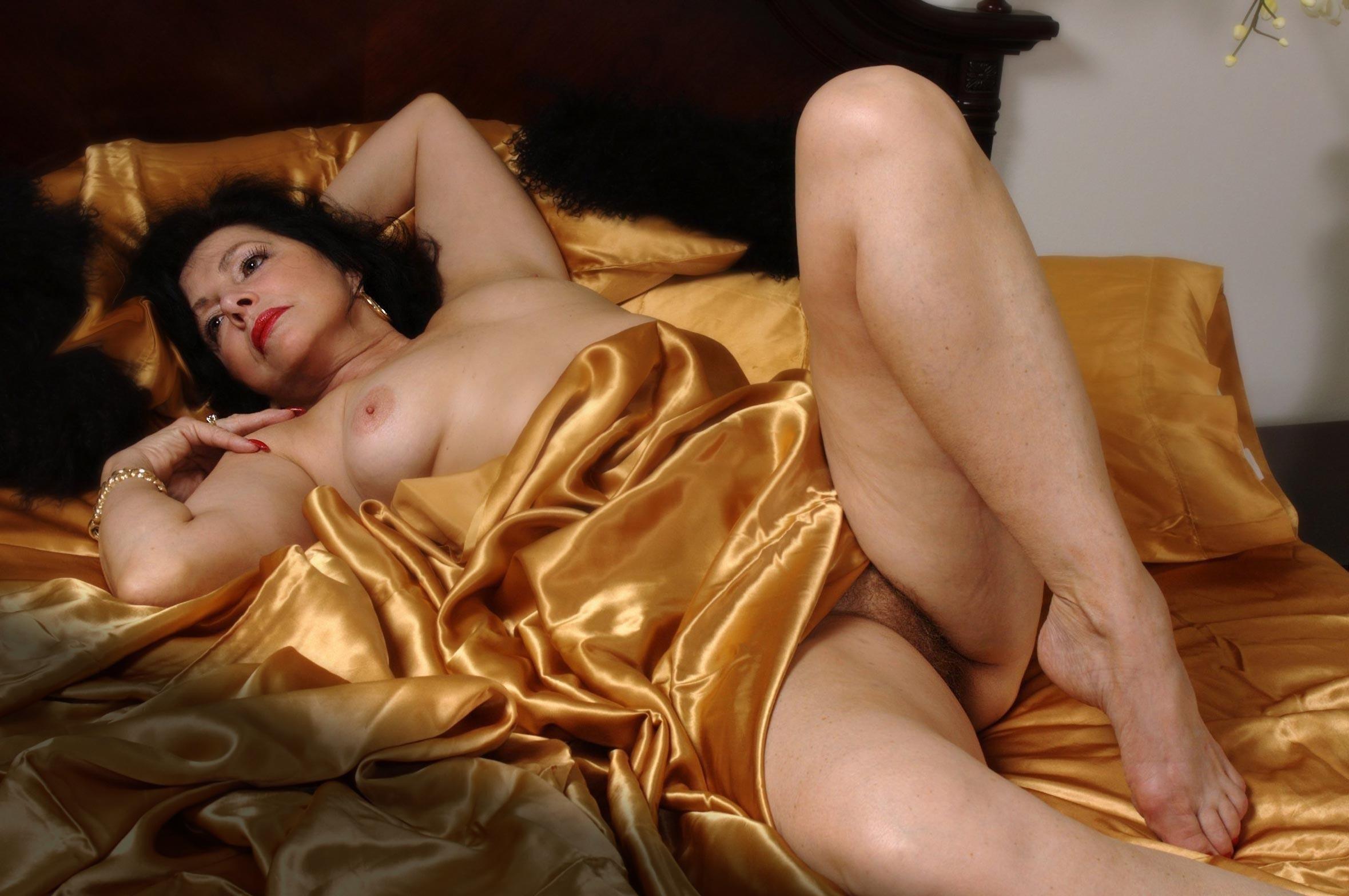 Nude glamour mature