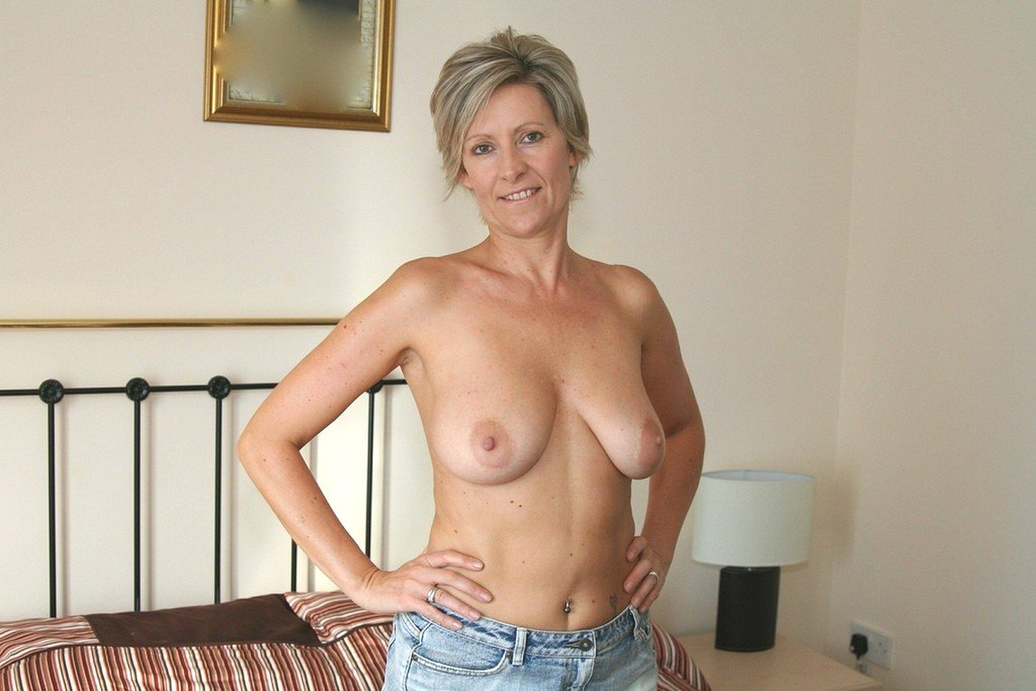 Most beautiful naked mature women