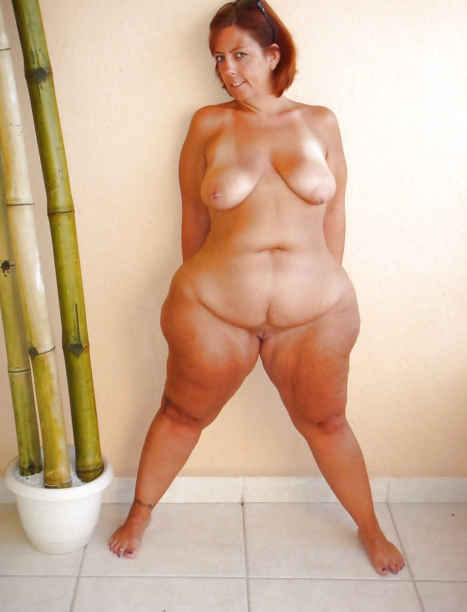 Nude Mature Women With Wide Hips Big Ass