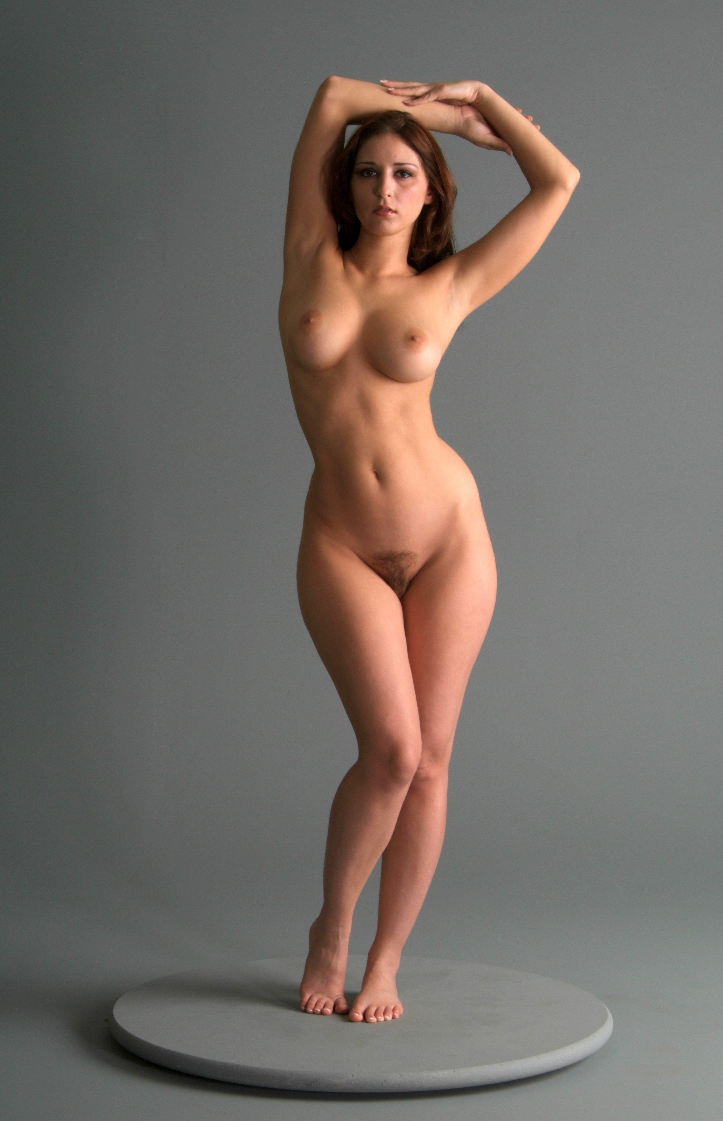 Figure hourglass naked women