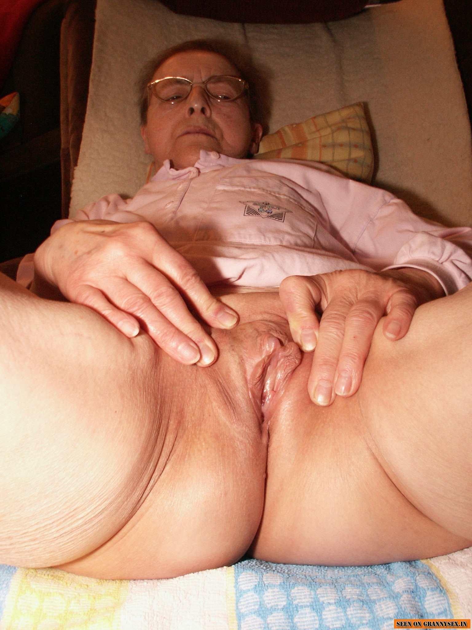 Mature grandma all older horny women porn pics
