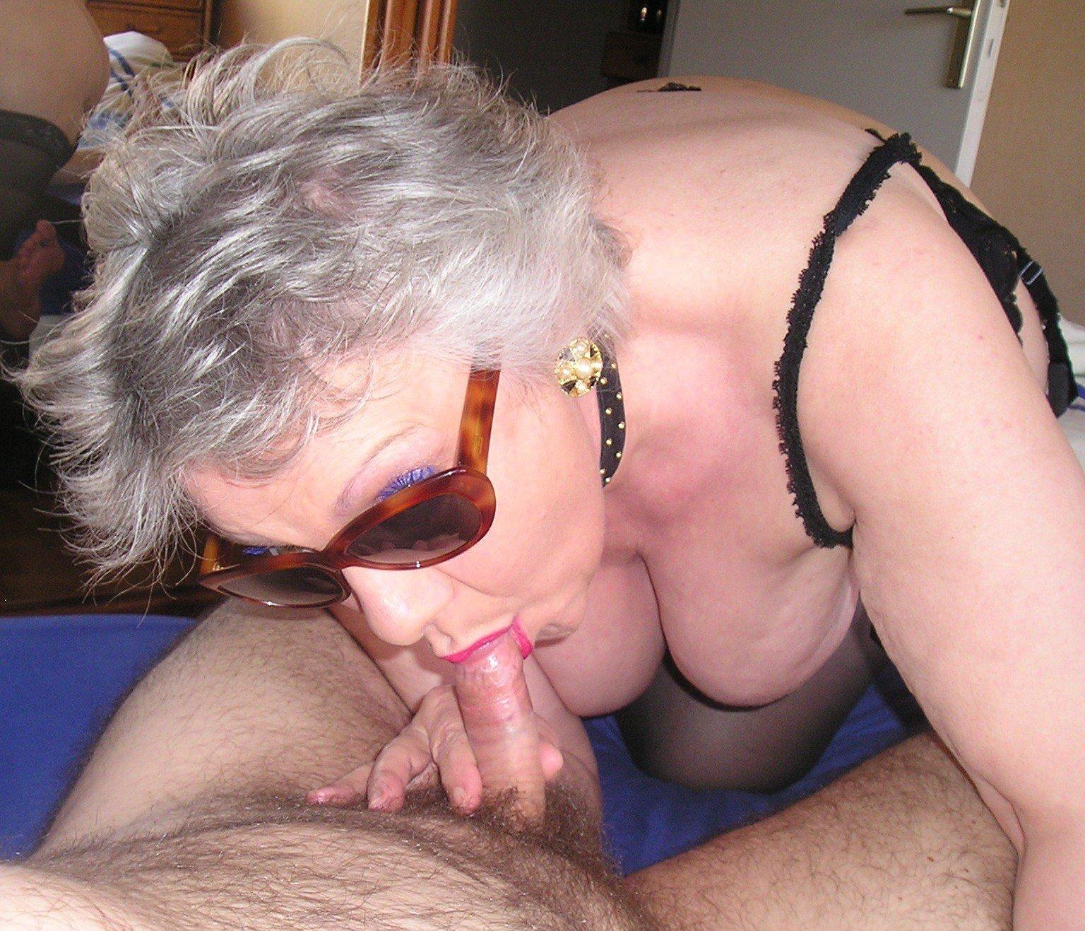 Mature Old Granny Sucking Cock Gif
