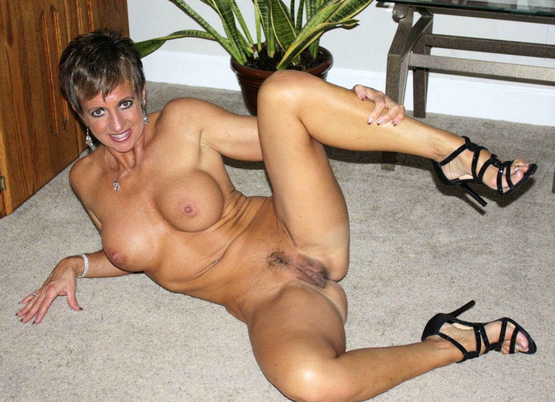 Mature Beauty Hot And Flashy