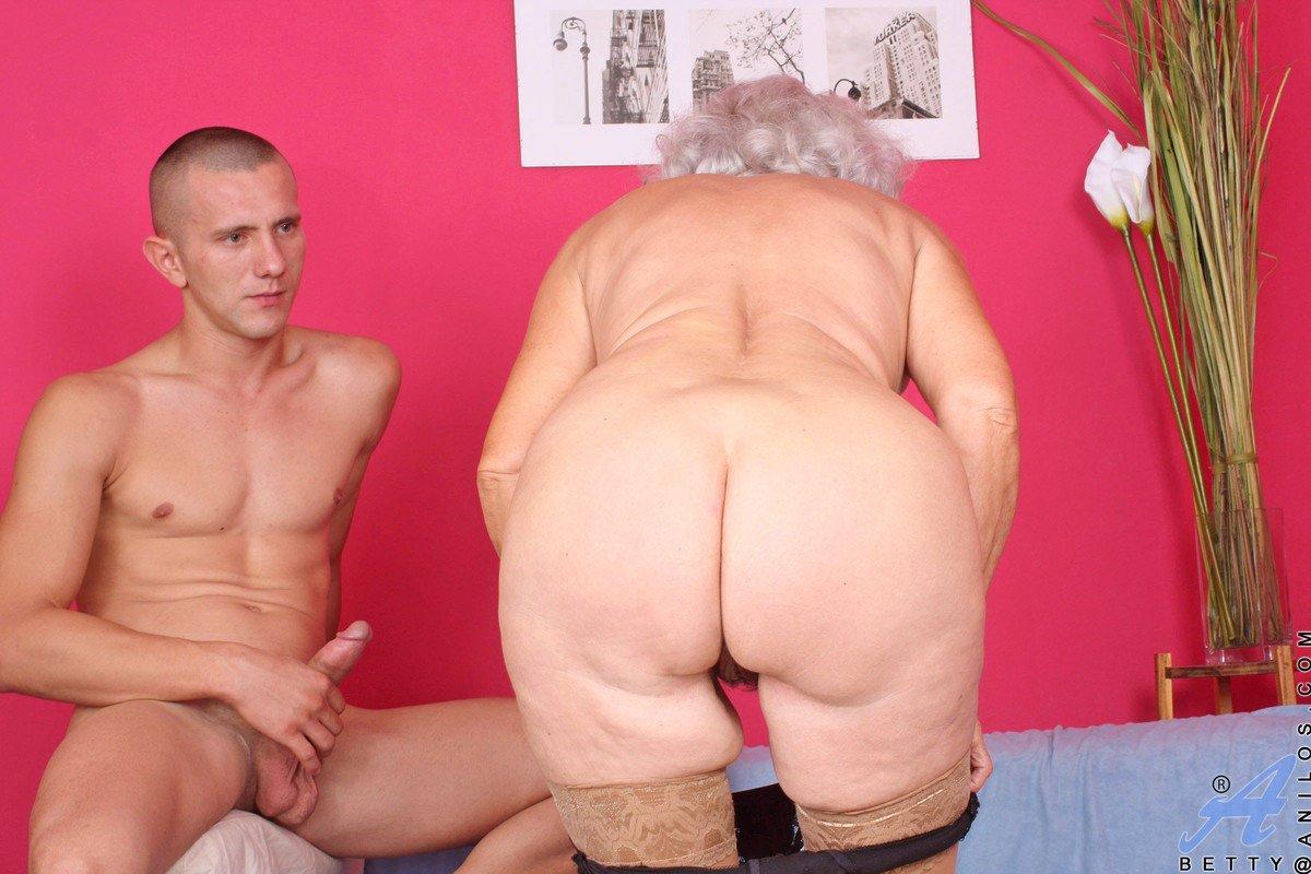 Grannies Enema Porn Pics