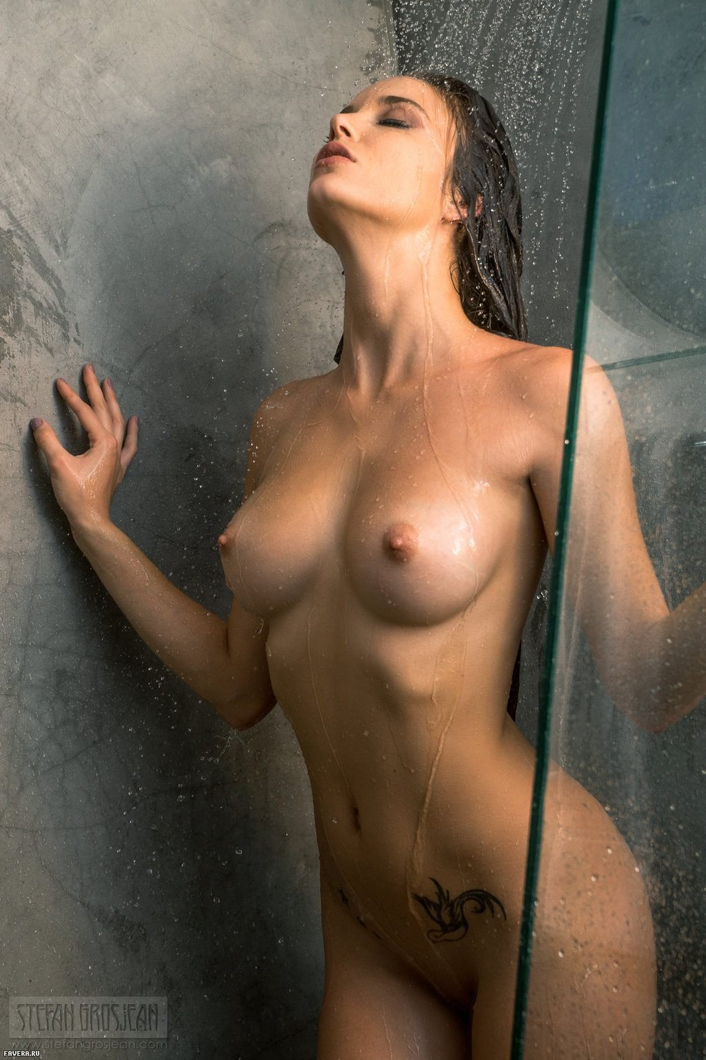 Naked Girls In Shower With Sexy Body Pics
