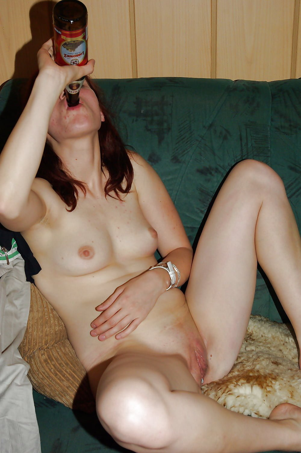 Sleeping drunk caught meaty pussy nude girls pictures