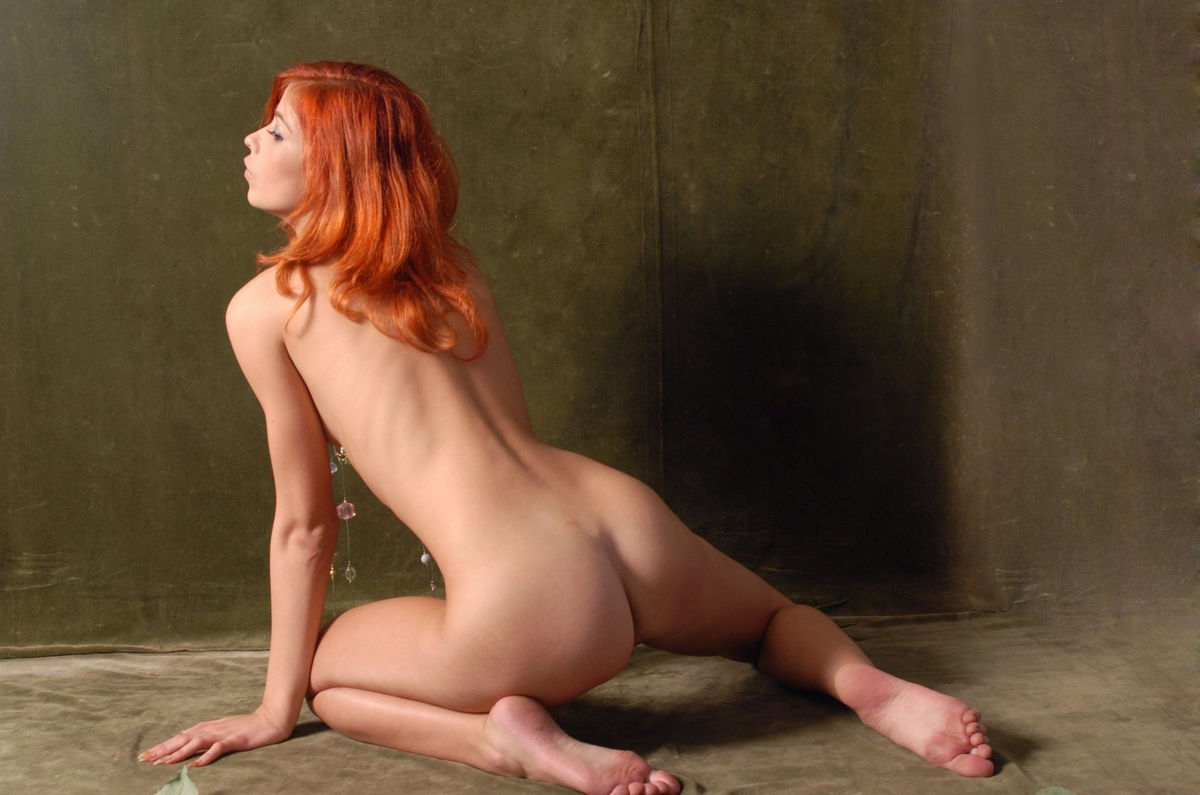 Redhead hairy pussy girl peeing