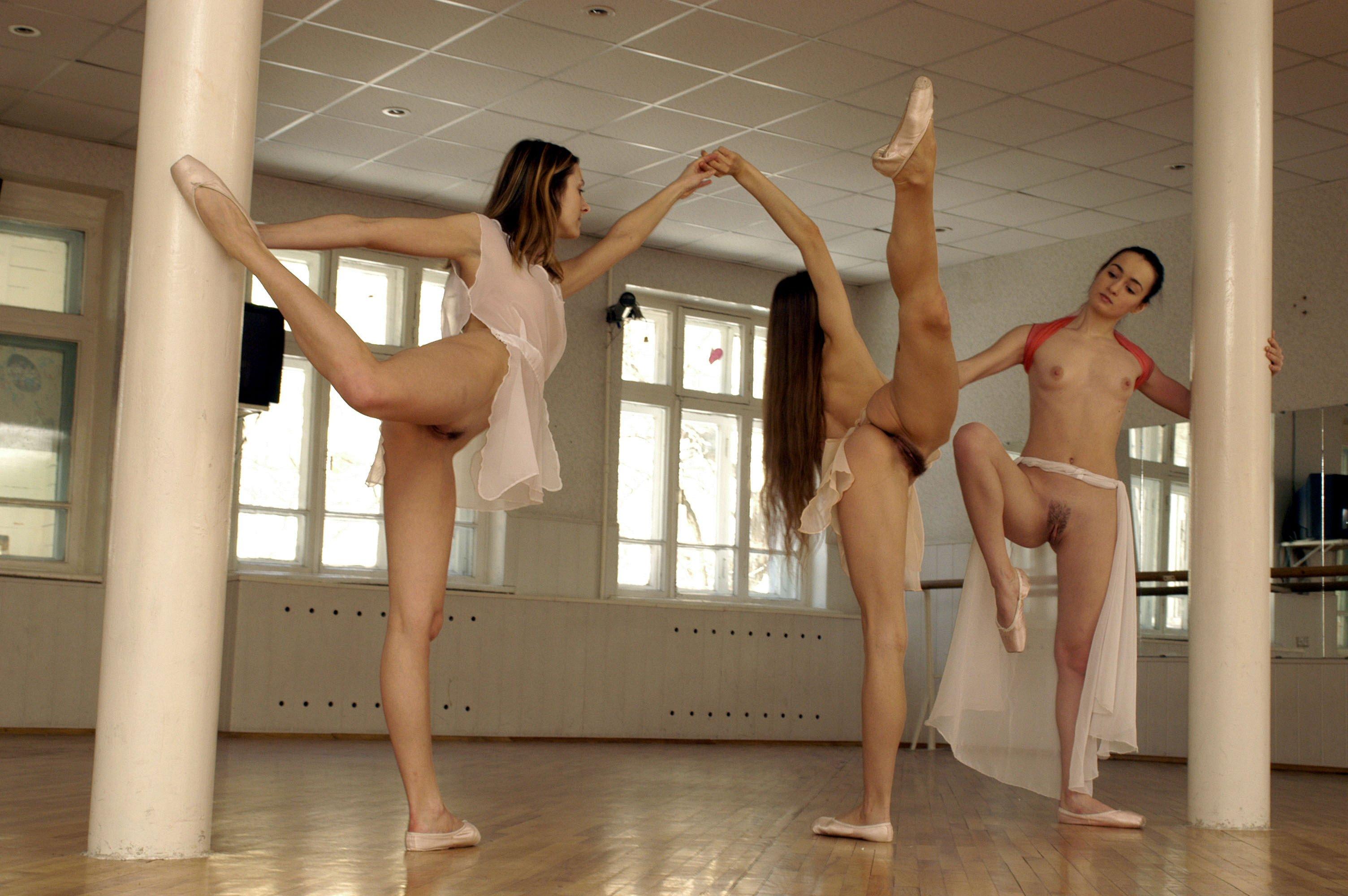 Nude ballet dancers splits