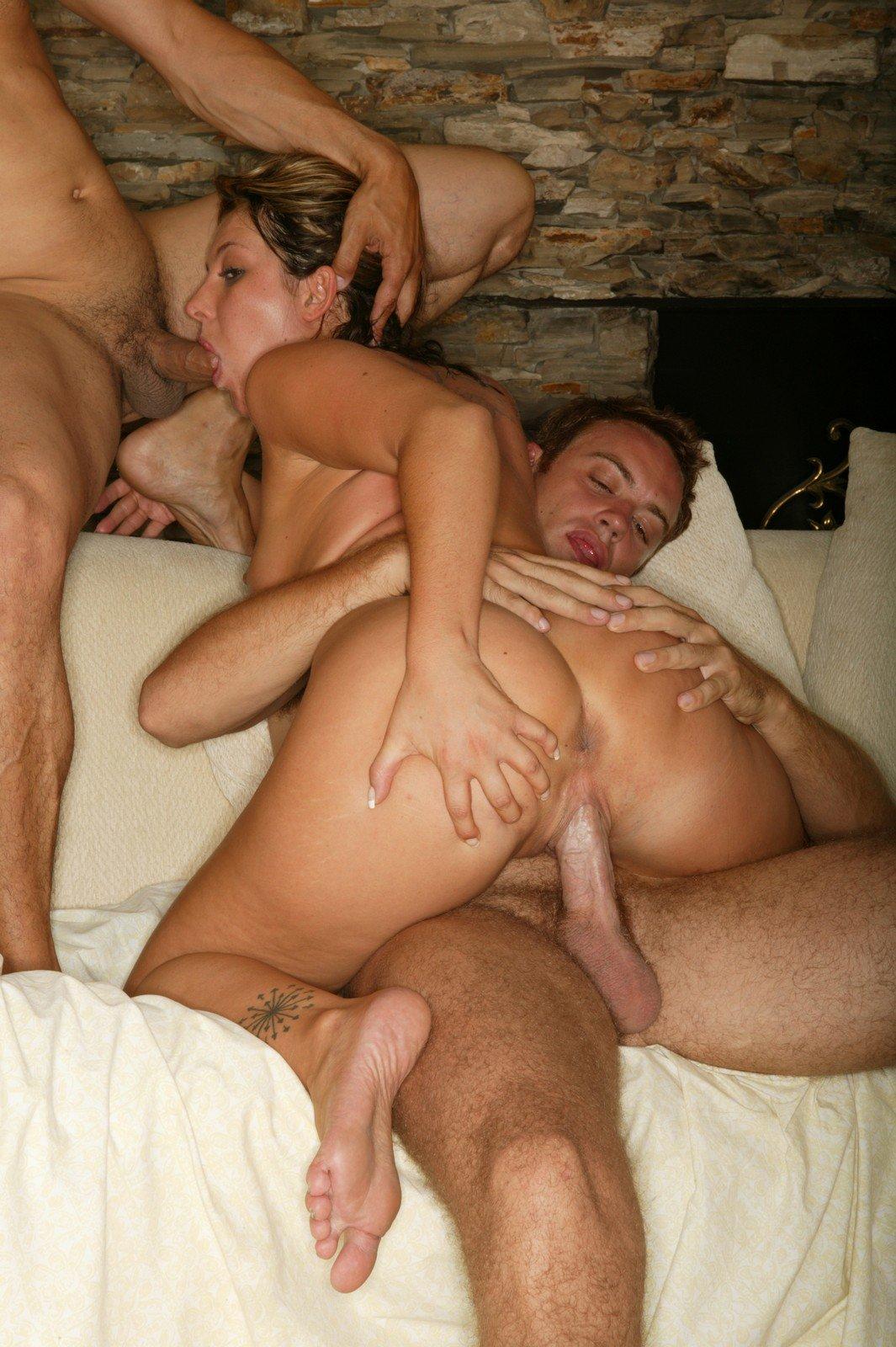 Порно муж снимает жена с двойными
