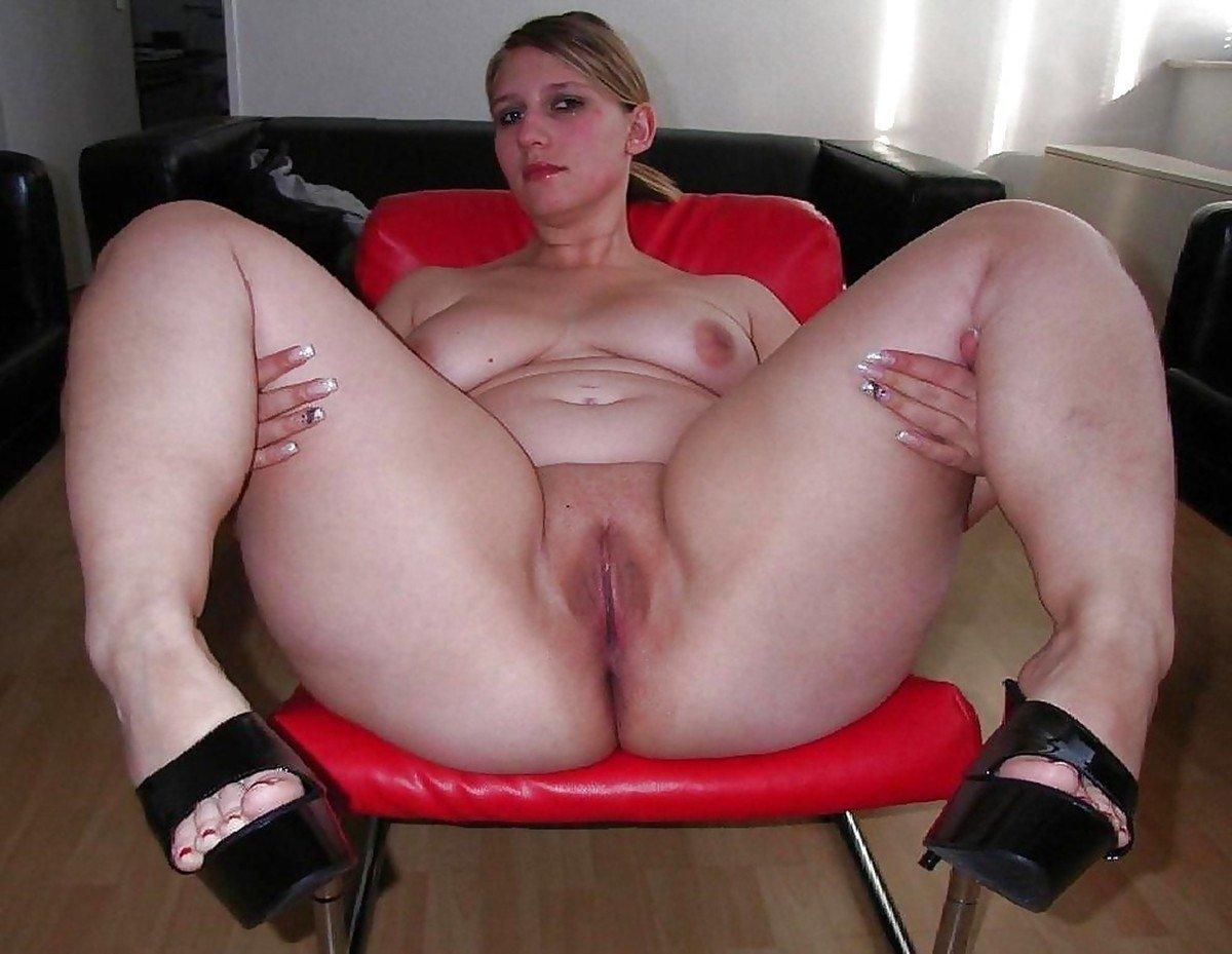 Short girl big fat pussy