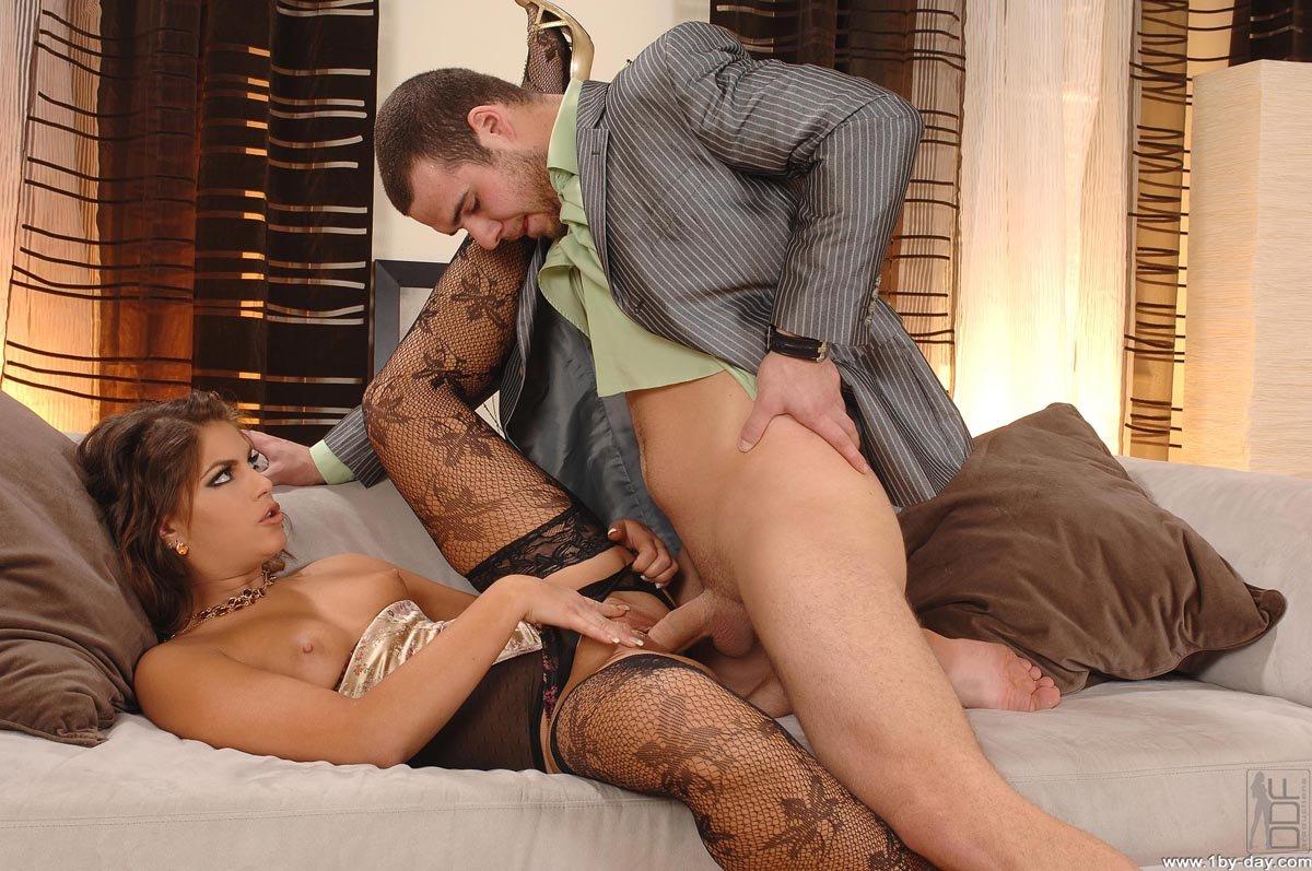 Порно фильмы красивые трусики муж любит