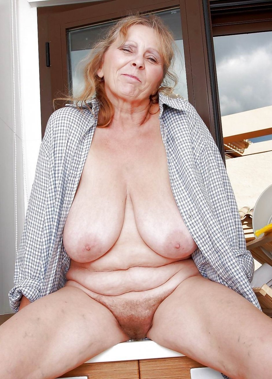 Old amateur granny with big boobs