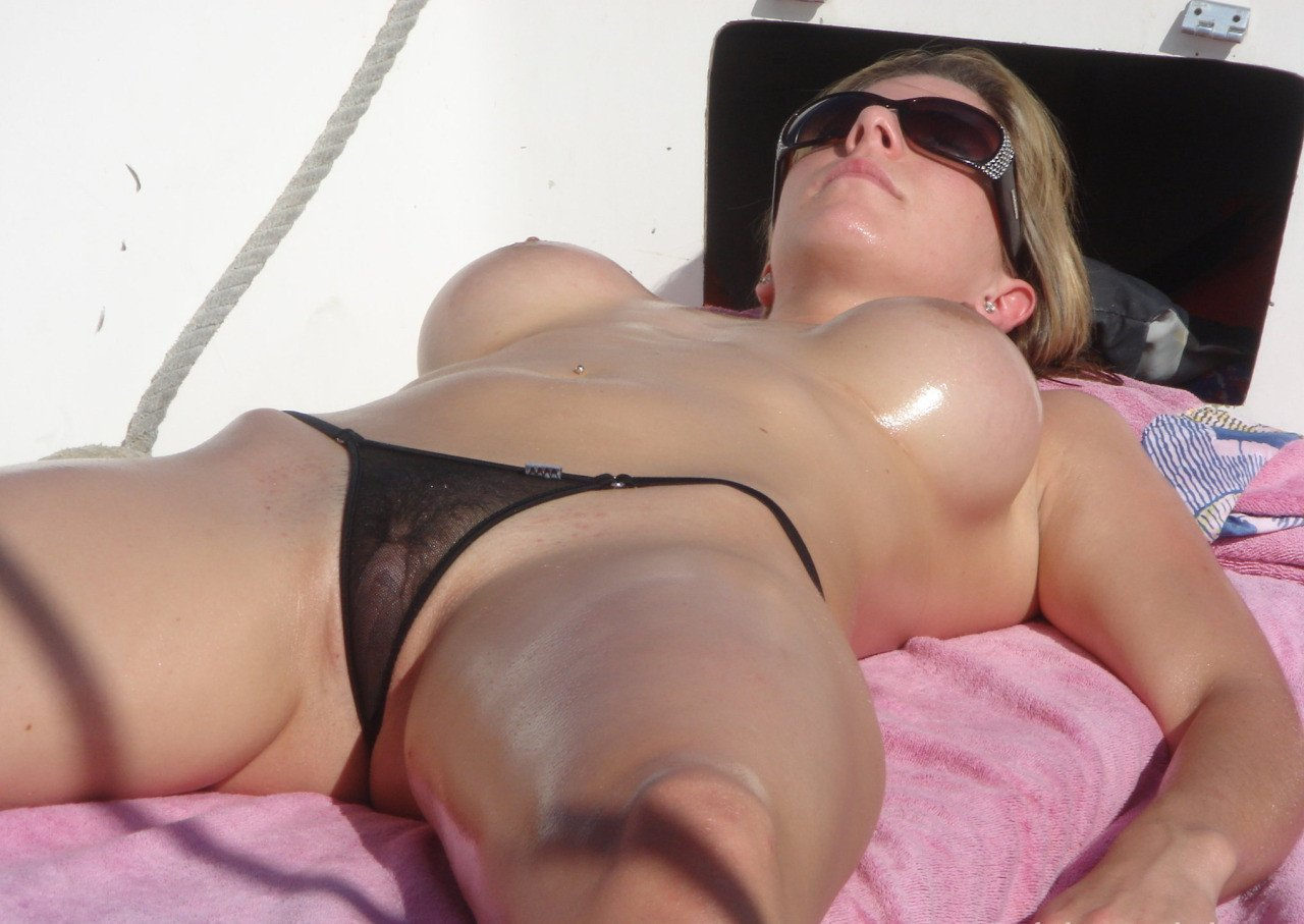 Mature Moms In Swimsuits Free Porn