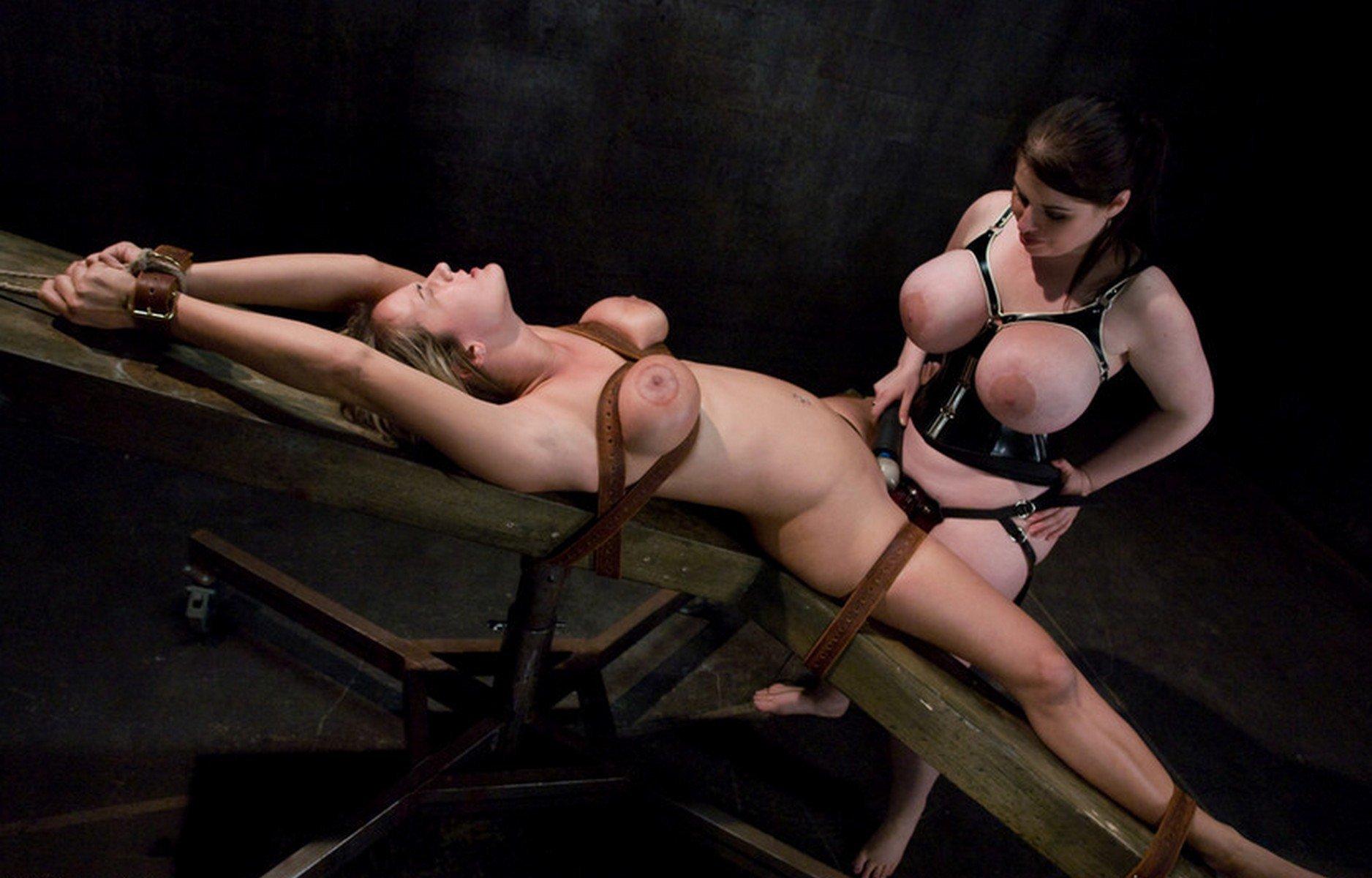 Bondage sex with an asian dildo for iroha suzumura
