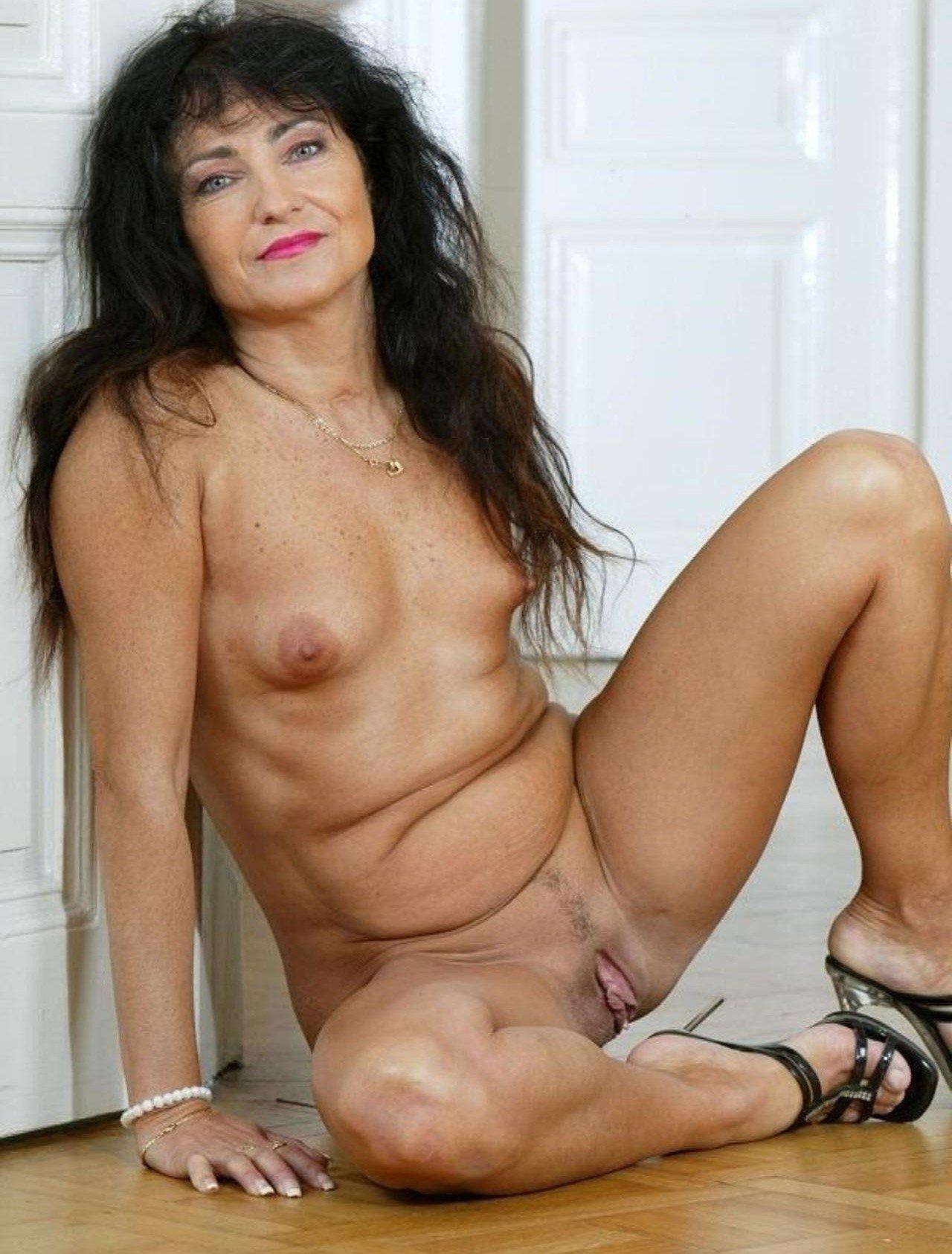 Mature Brunette Nude