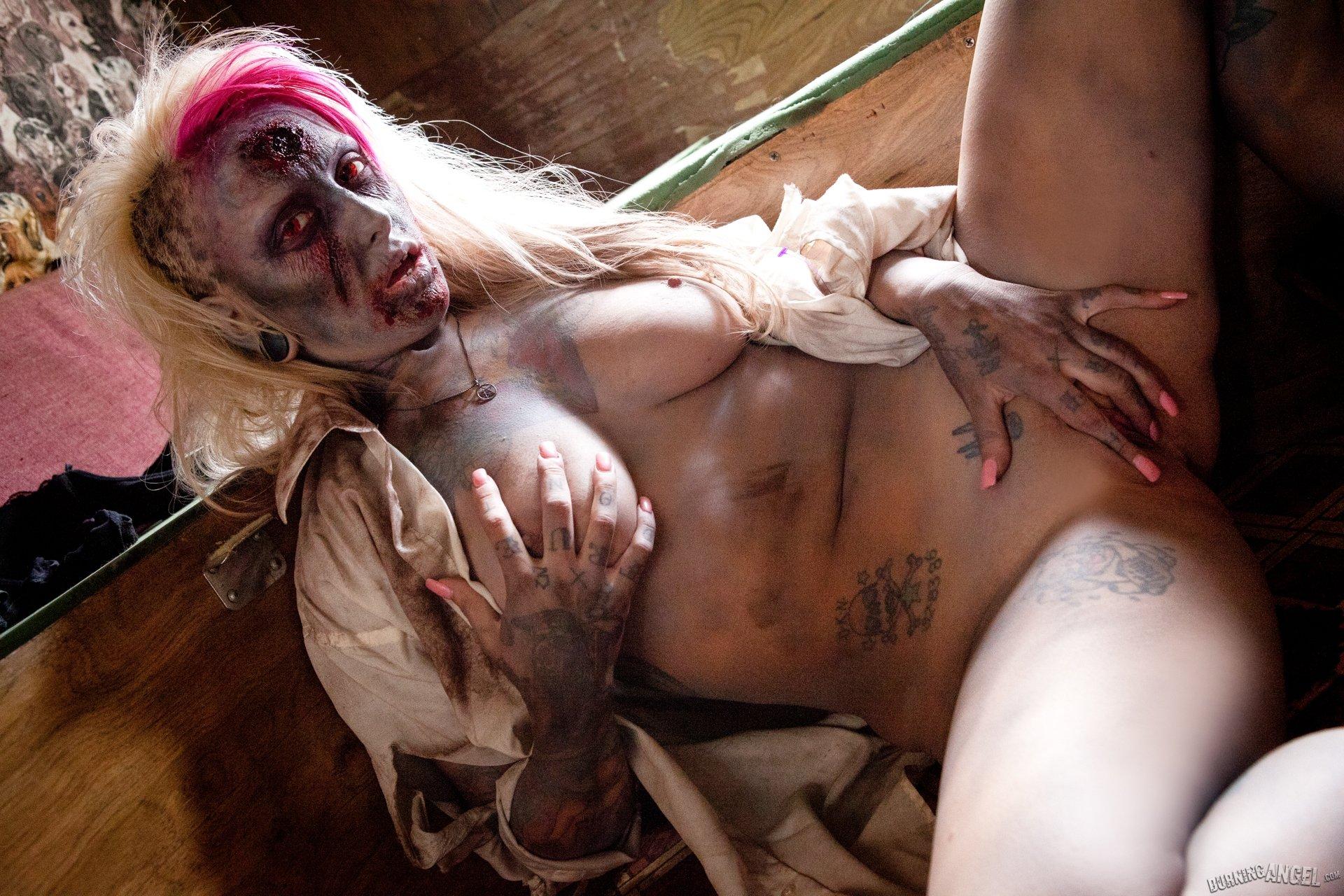 Naked Zombie Porn