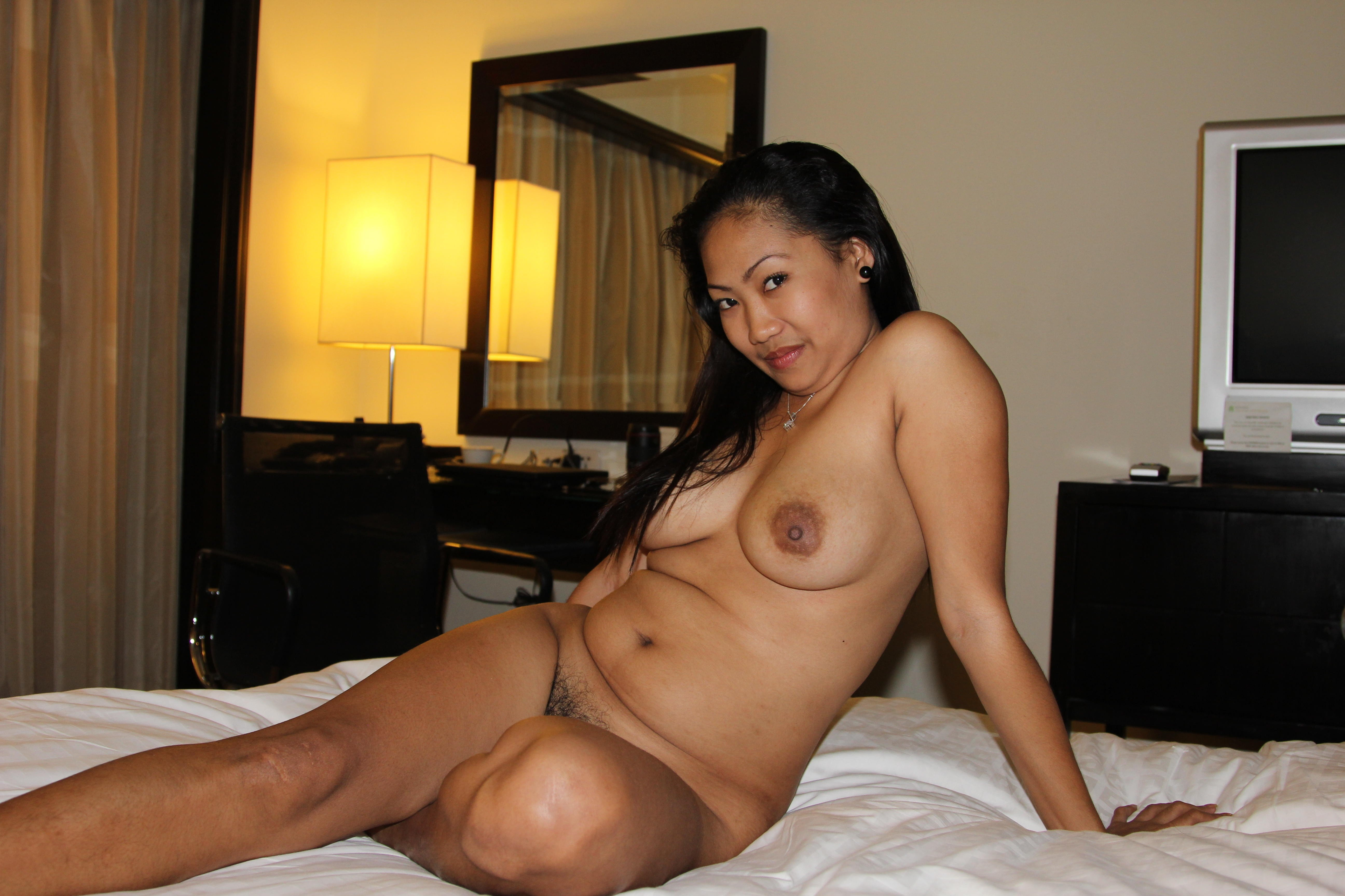 Asian Amateur Pics With Naked Asian Women