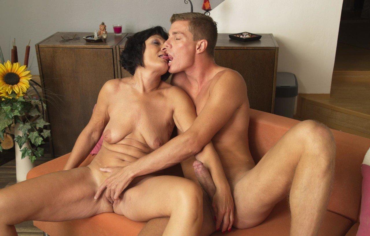 Older Mature Nude Couples Masterbating