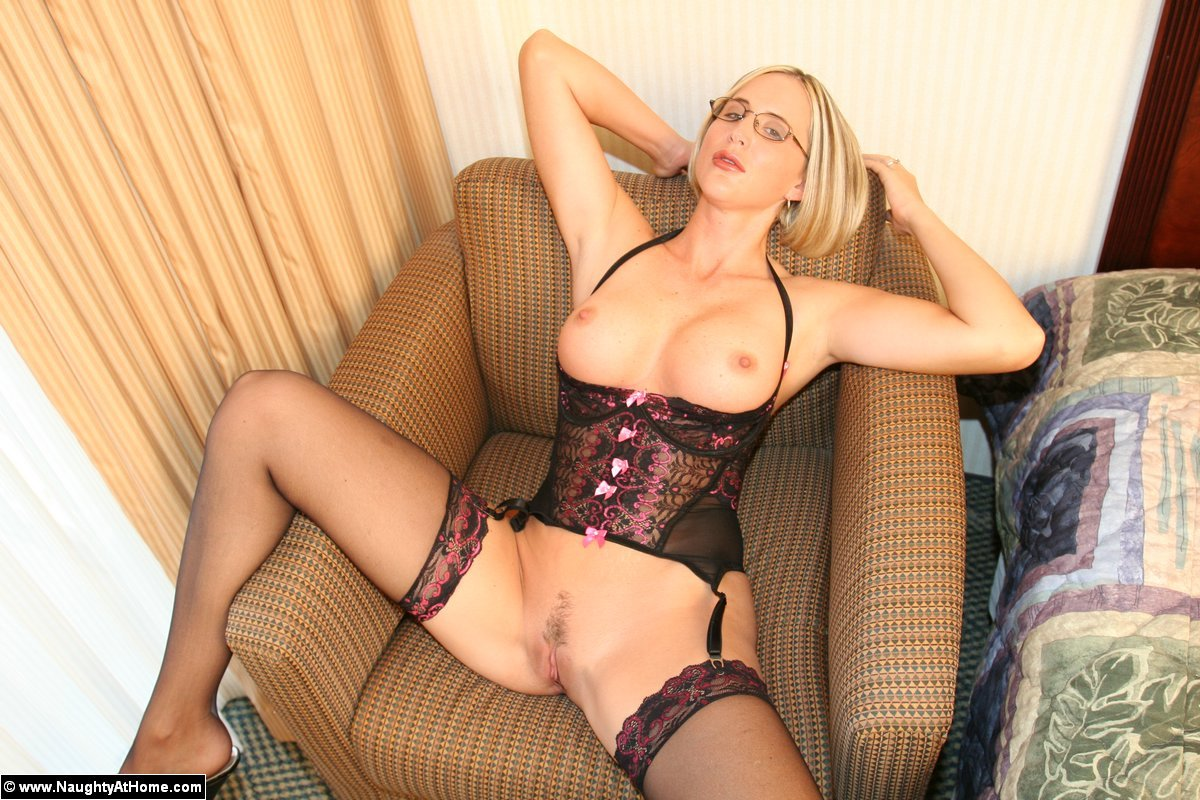 Naughty busty blonde amateur milf in lingerie gets naughty