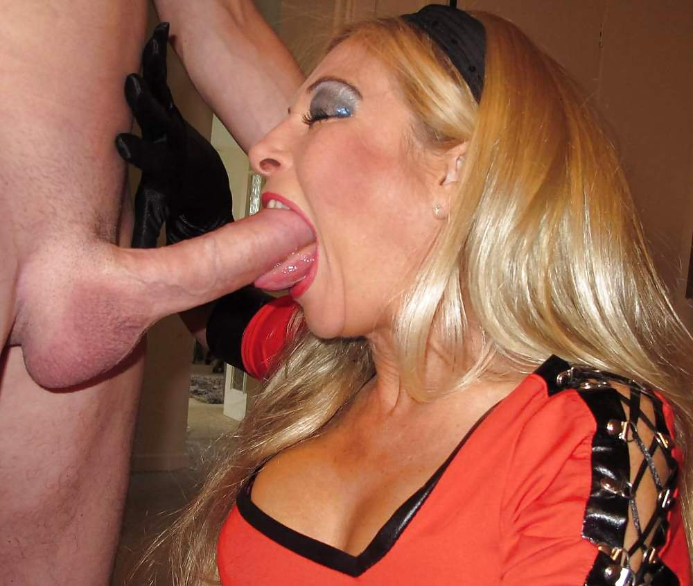 Blonde Chick With Big Tits Suck Cock