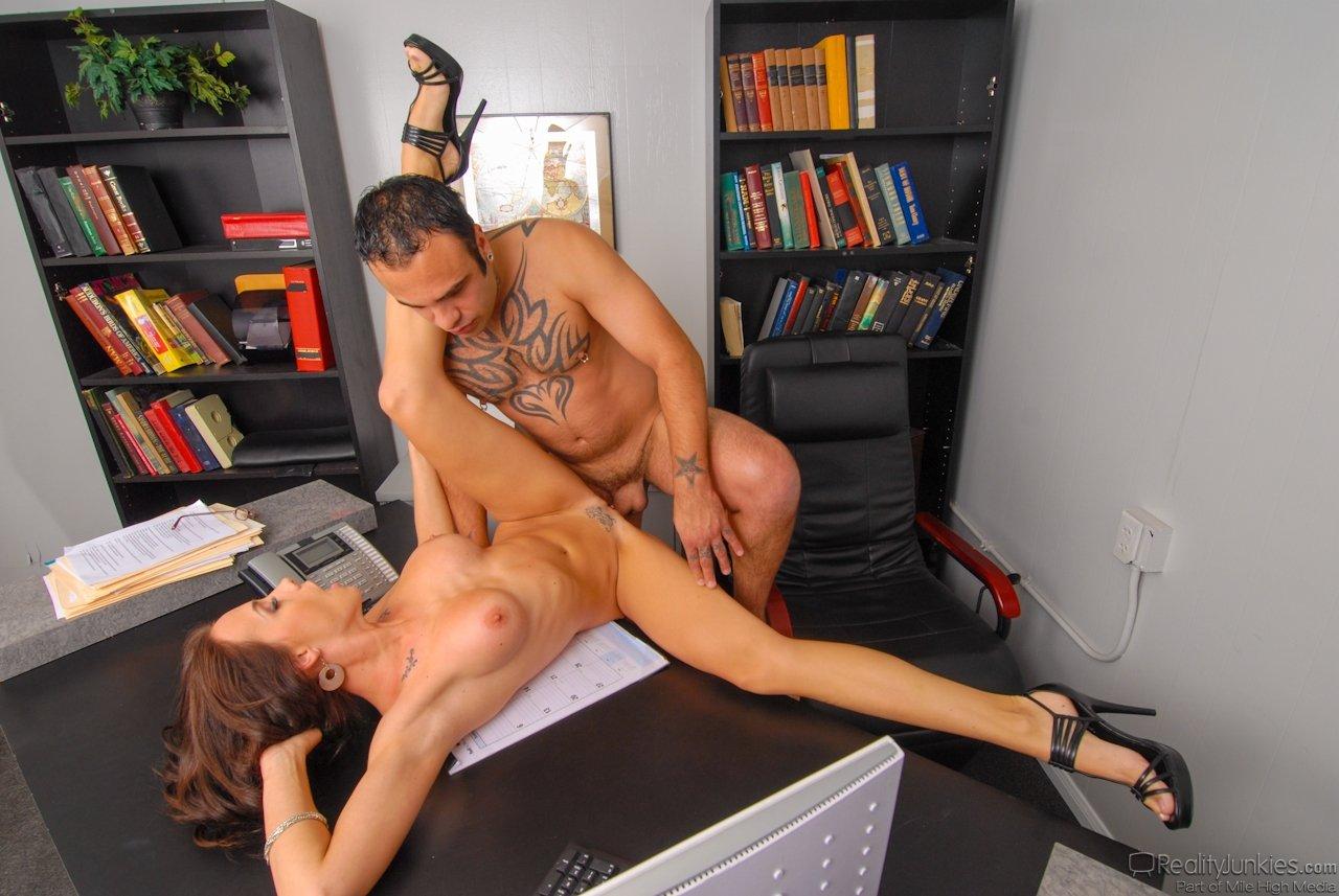 Watch Free Workshop Porn Pics On Tnaflix Porn Galery
