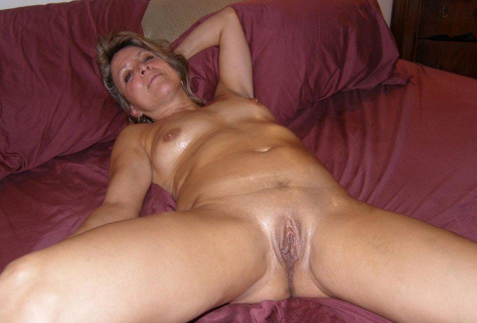 Milf lesbian amature