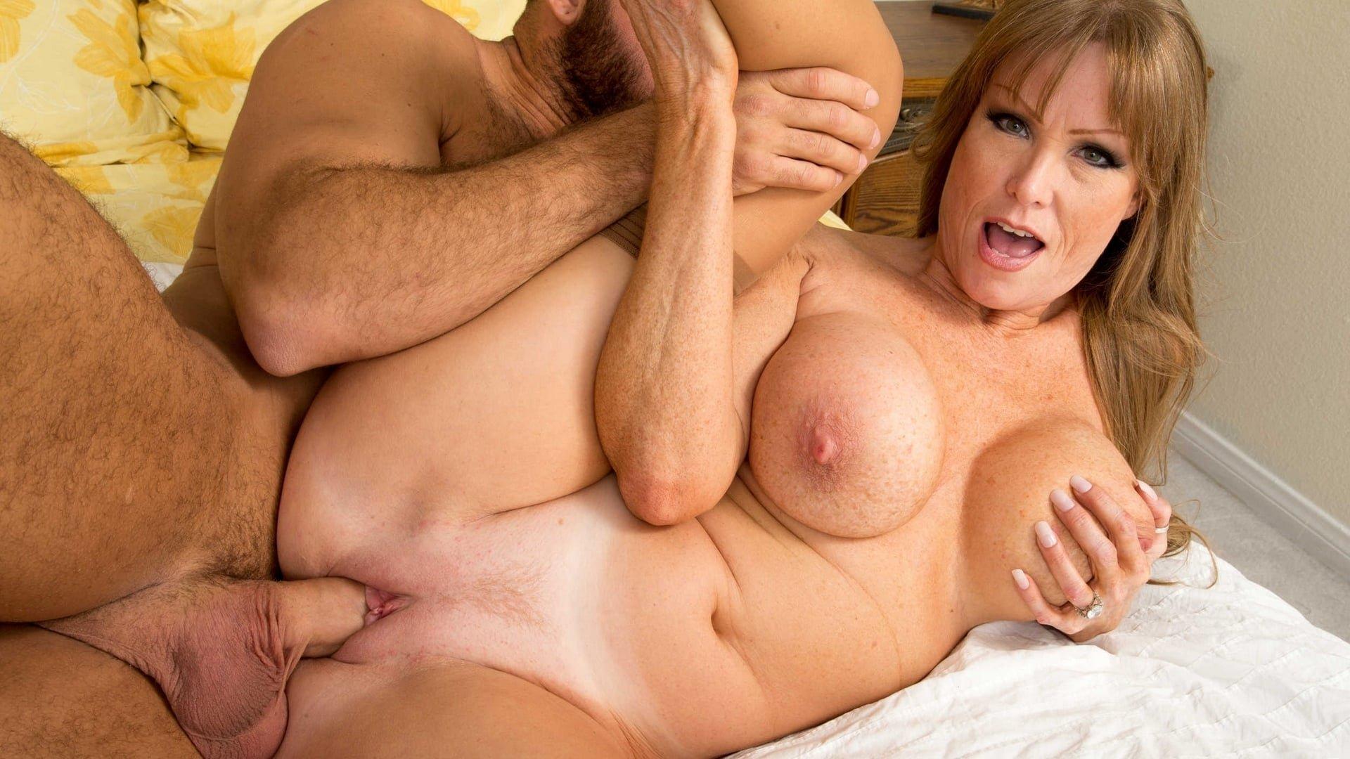 Порно С Большими Дойками Очень Красивые Мама